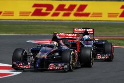 Daniil Kvyat, Scuderia Toro Rosso STR9 leads team mate Jean-Eric Vergne, Scuderia Toro Rosso STR9