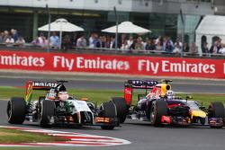 Nico Hulkenberg, Sahara Force India F1 VJM07 with Daniel Ricciardo, Red Bull Racing RB10