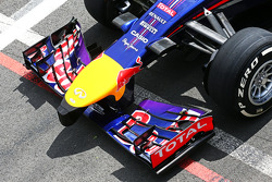 Daniel Ricciardo, Red Bull Racing RB10 asa frontal