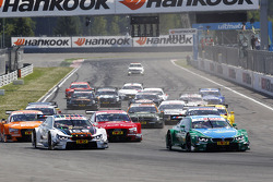 Start of the Race, Marco Wittmann, BMW Team RMG BMW M4 DTM and Augusto Farfus, BMW Team RBM BMW M34 DTM