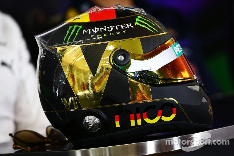 Il casco di Nico Rosberg, Mercedes AMG F1 alla conferenza stampa FIA