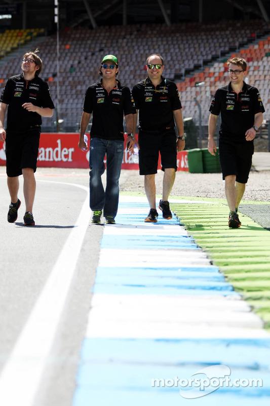 Sergio Perez, Sahara Force India F1 anda no circuito