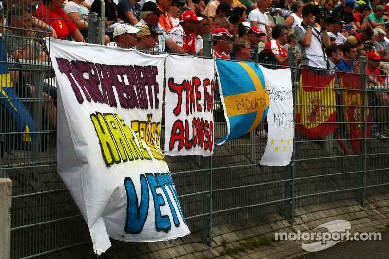 Fans' Banners