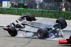 Felipe Massa accidenté au départ de la course