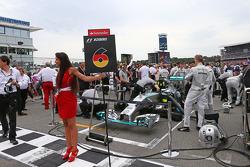 尼克·罗斯伯格, 梅赛德斯AMG F1 W05赛车,在起步线上