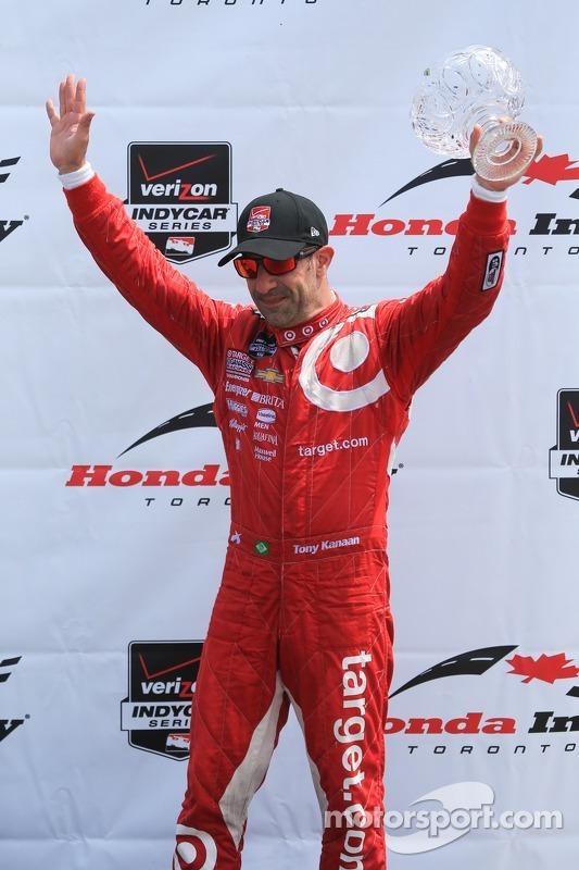 Tony Kanaan, Chip Ganassi Racing Chevrolet festeggia