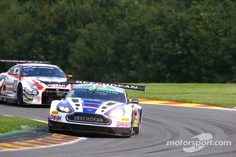 #107 Beechdean AMR 阿斯顿马丁 Vantage GT3: 安德鲁·霍华德, 丹尼尔·洛伊德, 斯蒂芬·穆克