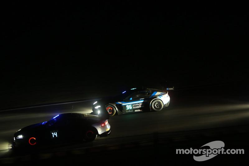 #14 埃米尔·弗莱 Racing 埃米尔·弗莱 G3 捷豹: 洛伦兹·弗莱, 加布里埃尔莱·加德尔, 弗雷迪·巴斯, 乔纳森·赫希 和 #96 PGF-Kinfaun AMR 阿斯顿马丁 Vantage GT3: 约翰·高, 保罗·怀特, 菲尔·德赖伯勒, 汤姆·奥斯洛-科尔