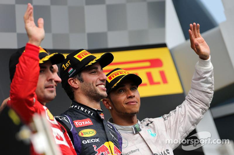Fernando Alonso, Scuderia Ferrari; Daniel Ricciardo, Red Bull Racing; Lewis Hamilton, Mercedes AMG F