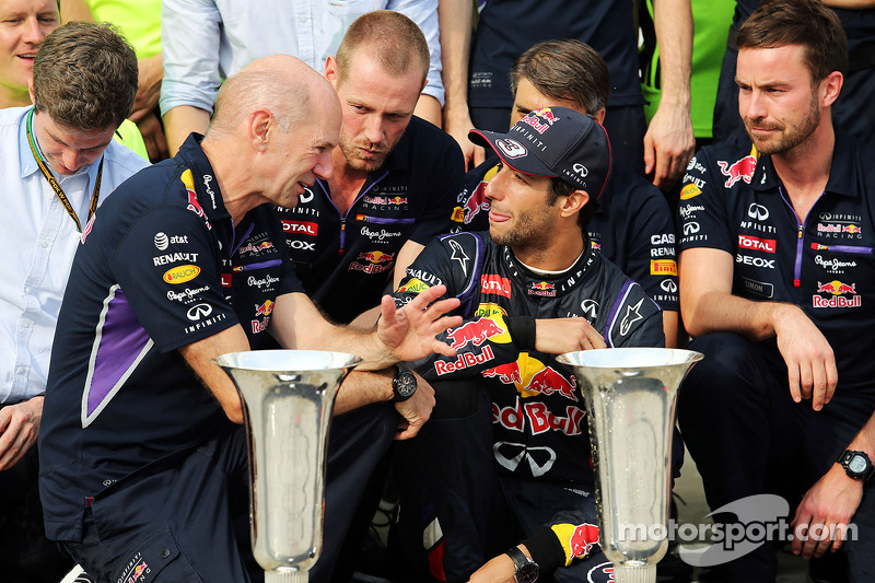 Daniel Ricciardo, Red Bull Racing celebrates with Adrian Newey, Red Bull Racing Chief Technical ...