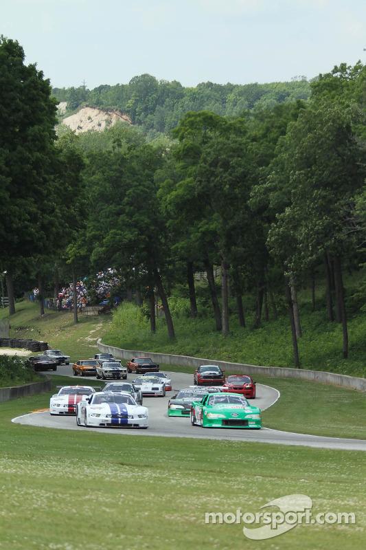 Il 50 ° anniversario All Mustang race