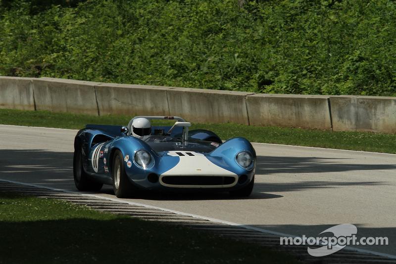 #11 1965 Lola T70 Mk I: Marc Devis