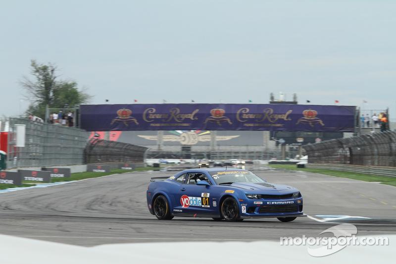#01 CKS Autosport 科迈罗 Z/28.R: 埃里克·库兰, 劳森·阿申巴赫