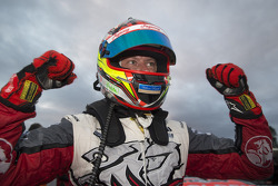 Winner James Courtney, Holden Racing Team