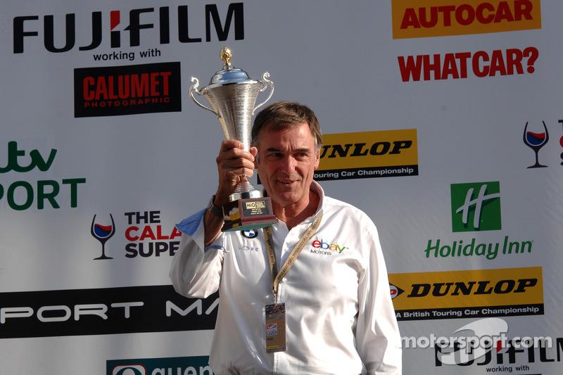 eBay Motors Team Principal Dick Bennetts ottiene il team award