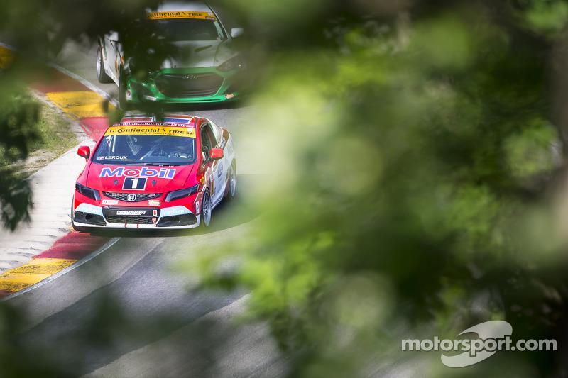 #4 LRT Racing Honda Civic: Juan Carlos Leroux, Jorge Leroux