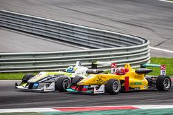 Richard Goddard, ThreeBond和T-Sport Dallara F312 NBE,和Sandro Zeller, Jo Zeller Racing Dallara F312梅赛德斯
