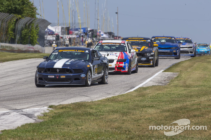 #158 Multimatic Motorsports Mustang Boss 302R: Ian James, Billy Johnson