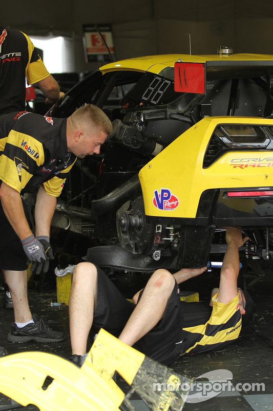 Equipe Corvette repara o #3 Corvette