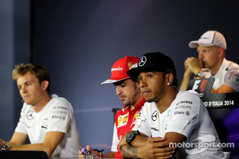 Lewis Hamilton, Mercedes AMG F1 Team; Fernando Alonso, Scuderia Ferrari; Nico Rosberg, Mercedes AMG F1 Team