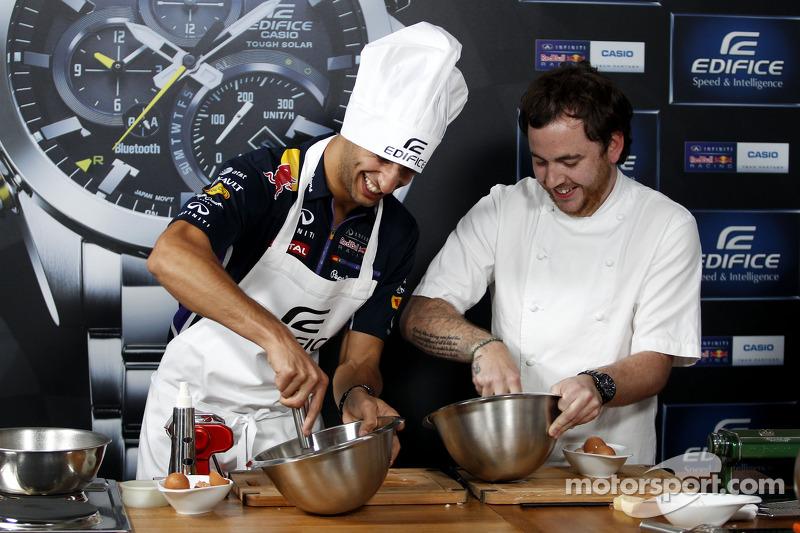Casio Edifice Lansmanı, Red Bull Enerji İstasyonu'nda, Daniel Ricciardo, Red Bull Racing ve Tom Sell