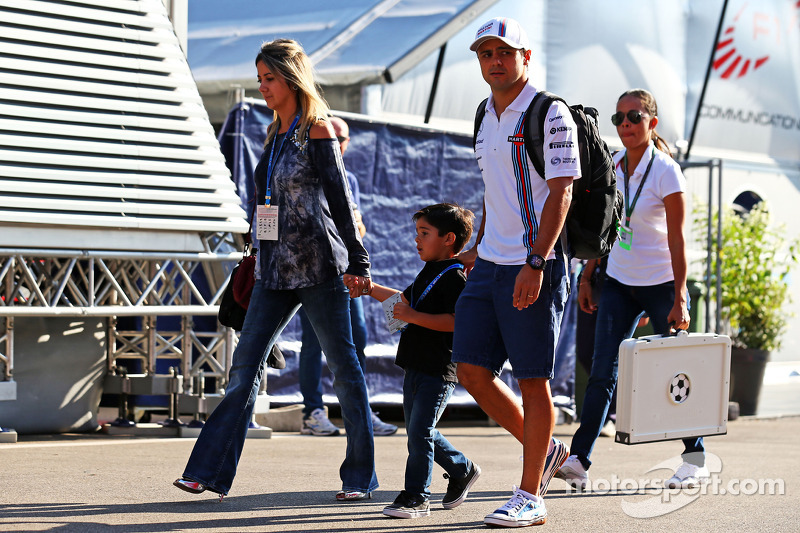 Felipe Massa, Williams ve eşi Rafaela Bassi, ve oğlu Felipinho Massa