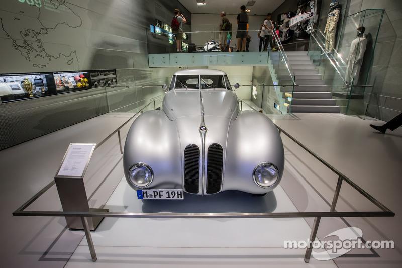 1939 BMW 328 Kamm Rennlimousine