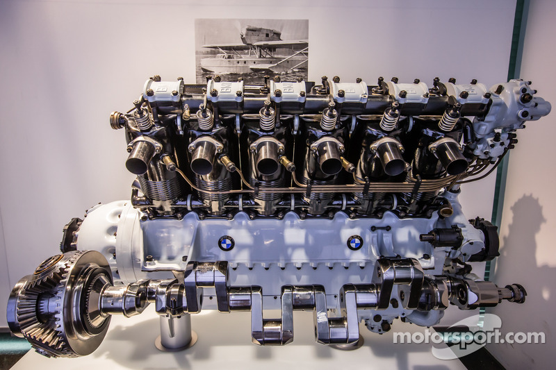 1926 BMW VI airplane engine