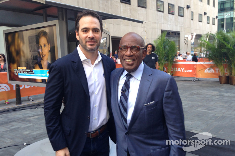 Jimmie Johnson, Hendrick Motorsports Chevrolet visita New York come parte del tour