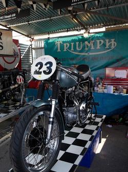 1954 凯旋 T110