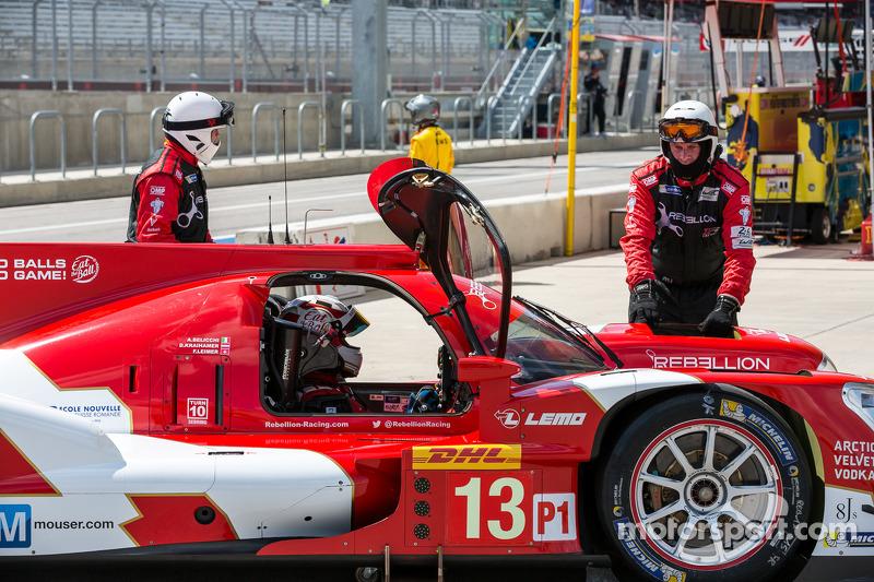 Problemi per # 13 Rebellion Racing Rebellion R-One - Toyota: Dominik Kraihamer, Andrea Belicchi, Fabio Leimer