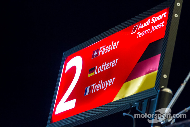 Paca do pit do #2 Audi