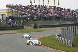#8 Tonino Team Herberth 保时捷 911 GT3 R: 罗伯特·雷瑙尔, 多米尼克·施瓦格