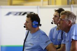 Mecânico da Farnbacher Racing