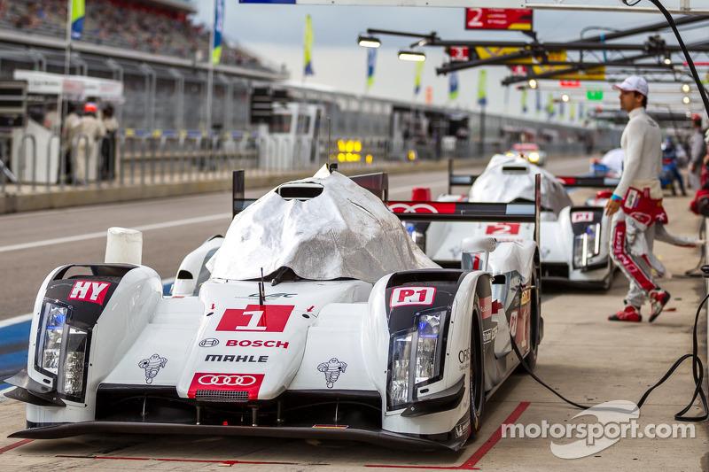 #1 Audi Sport Team Joest Audi R18 E-Tron Quattro coberto antes da classificação