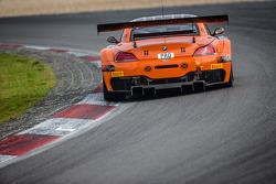 #888 Triple 888 Racing 宝马 Z4: 约迪·弗思, 瓦伦·休斯, 亚历山大·西姆斯