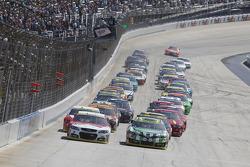 Partenza: Kevin Harvick,  Stewart-Haas Racing Chevrolet al comando