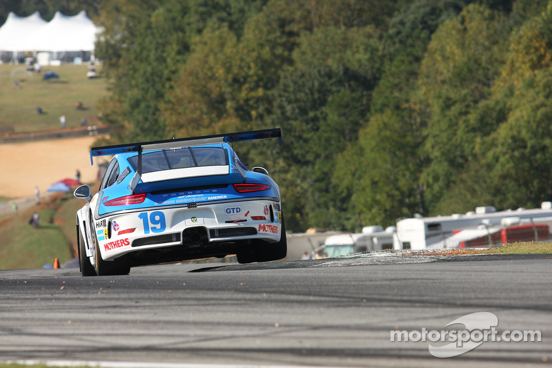 #19 Muehlner Motorsports America 保时捷 911 GT America: 马克·夸默, 丹尼尔·洛伊德
