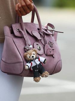 The handbag of Jennifer Becks, girlfriend of Adrian Sutil, Sauber