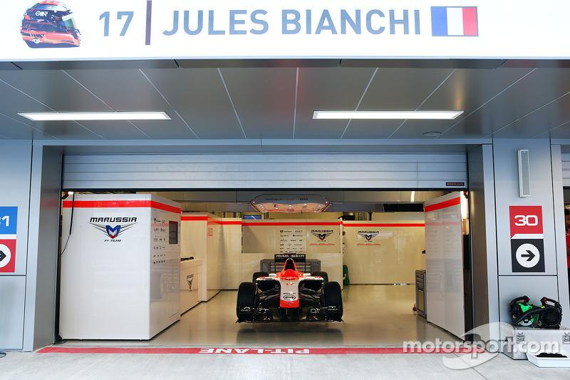 Un coche parado, el Marussia F1 Team MR03 de Jules Bianchi