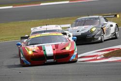 #81 AF Corse Ferrari F458 Italia: Stephen Wyatt, Michele Rugolo, Andrea Bertolini