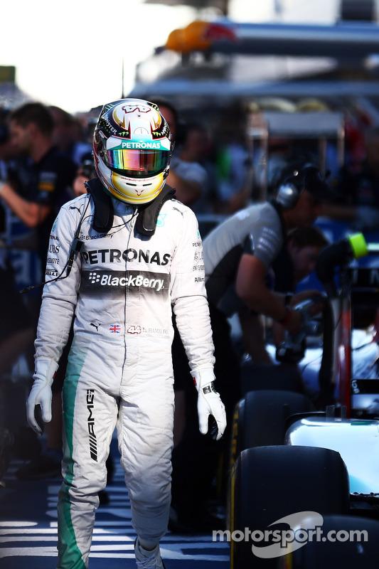 Lewis Hamilton, Mercedes AMG F1 W05, em parque fechado