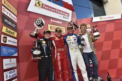 Pirelli amatör podyumu: Yarış galibi Vadim Gitlin, ikinci sıra Ezequiel Perez Companc, üçüncü sıra Giacomo Stratta