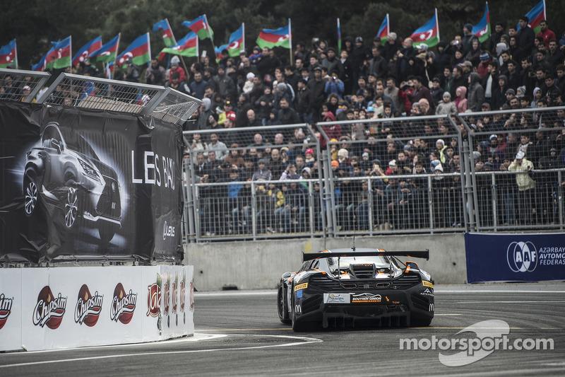 #15 Boutsen Ginion McLaren MP4-12C: Rob Bell, Kevin Estre