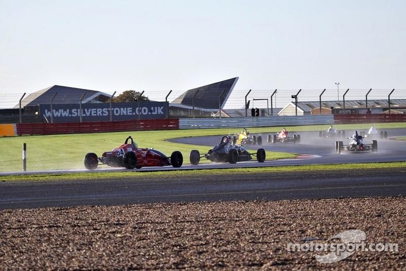 Formula Ford spray içinde