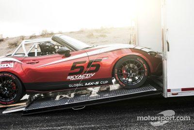 Mazda presenta la Cupo 2016 Global MX-5