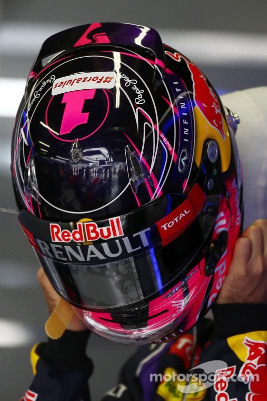 头盔:塞巴斯蒂安·维特尔, 红牛车队