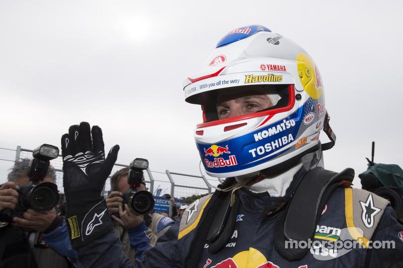 El ganador  y campeón Jamie Whencup, Red Bull Holden