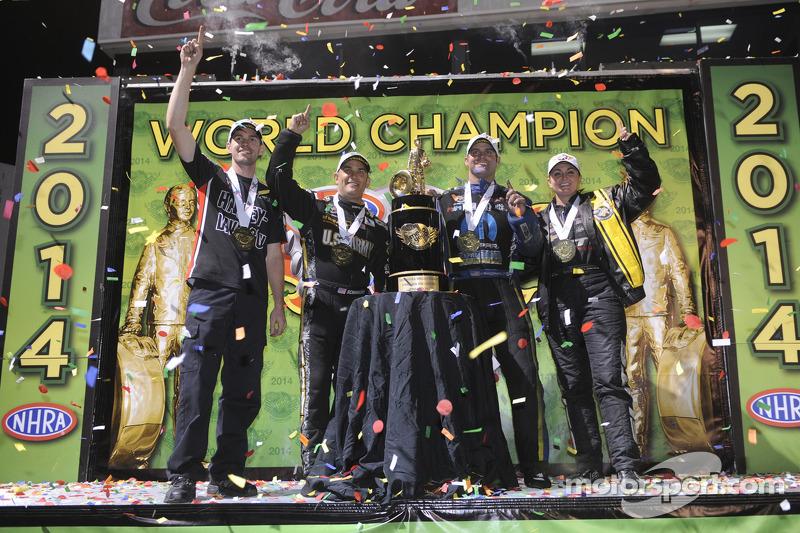 Şampiyonlar Erica Enders-Stevens, Andrew Hines, Tony Schumacher, Matt Hagan