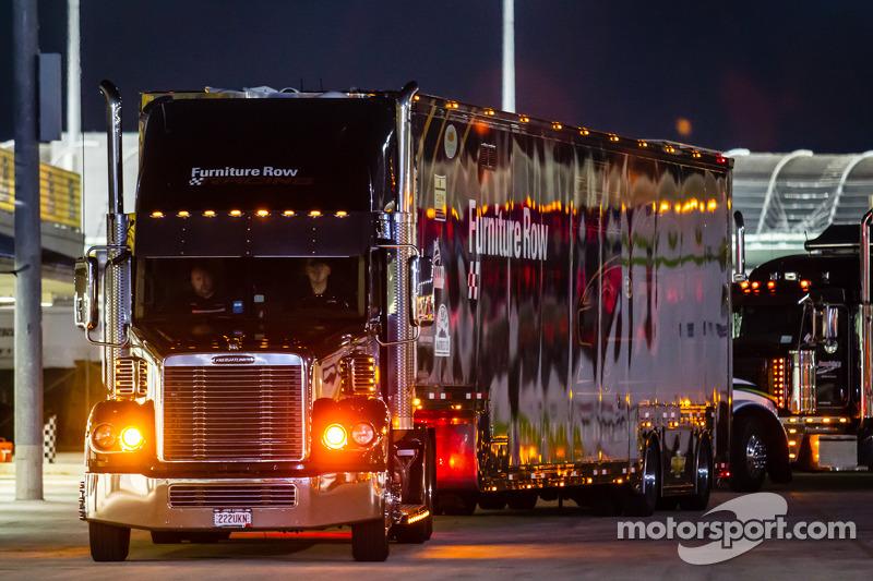 Tır: Martin Truex Jr., Furniture Row Racing Chevrolet